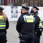 Polizei vor der Synagoge in Hamburg